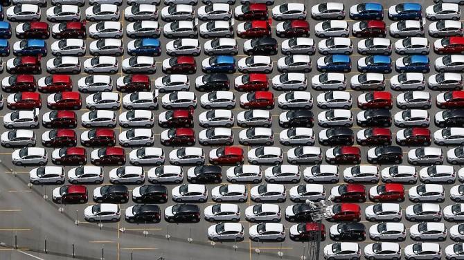 Продажи китайских авто в РФ в середине лета уменьшились на 36%
